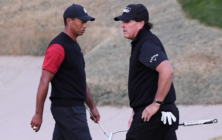 Tiger-Woods-&-Phil-Mickelson