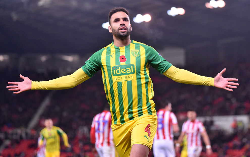 STOKE ON TRENT, ENGLAND - NOVEMBER 04: Hal Robson-Kanu of West Bromwich celebrates as he scores the second goal during the Sky Bet Championship match between Stoke City and West Bromwich Albion at Bet365 Stadium on November 04, 2019 in Stoke on Trent, England. (Photo by Nathan Stirk/Getty Images)